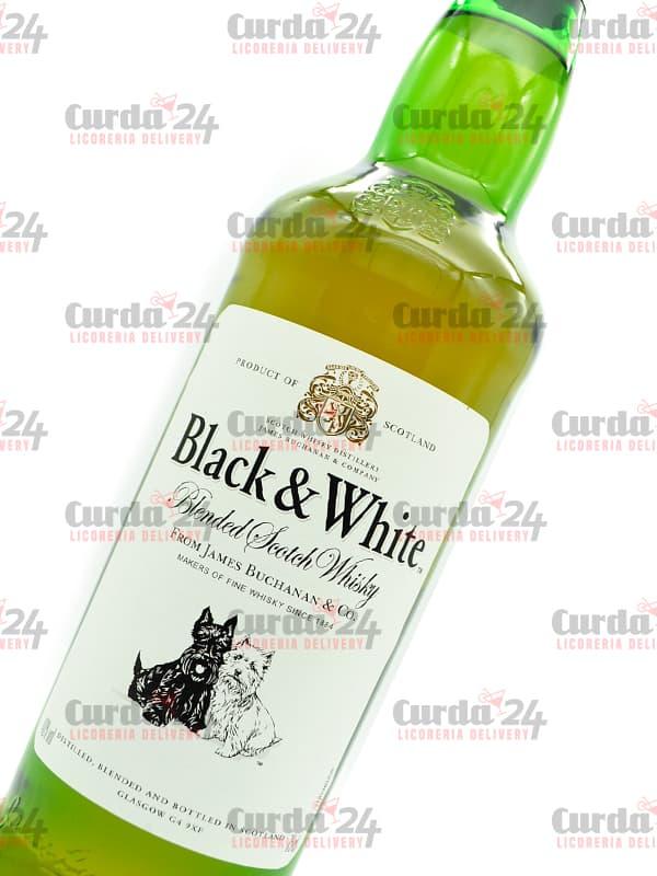 whisky-black-and-white-buchannans-8-anos1-1 Curda 24 Express - Licoreria delivery en Caracas