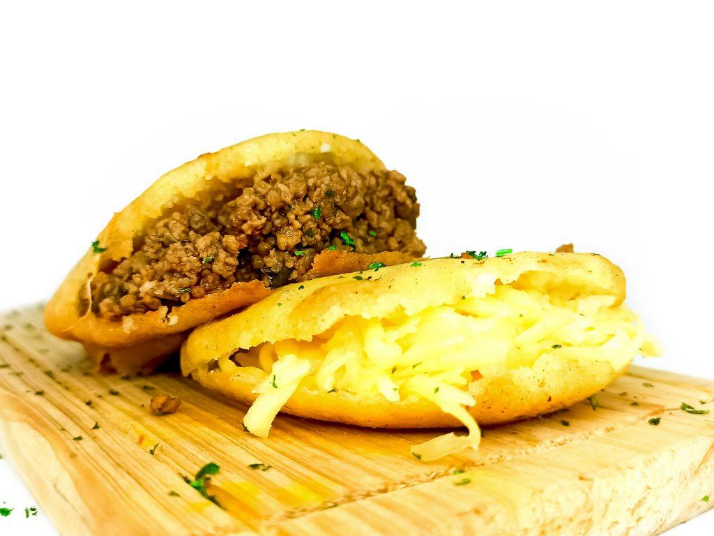 arepa-de-carne-molida-curda24-1024x768 Curda 24 Express - Licoreria delivery en Caracas