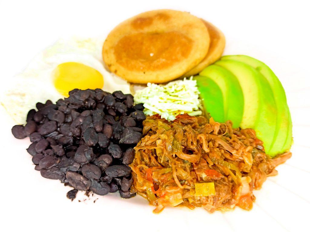 desayuno-criollo-curda24-1024x768 Curda 24 Express - Licoreria delivery en Caracas